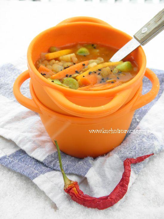 Rozgrzewająca zupa z soczewicą i imbirem