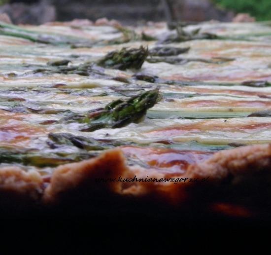 Tarta ze szparagami i gorgonzolą
