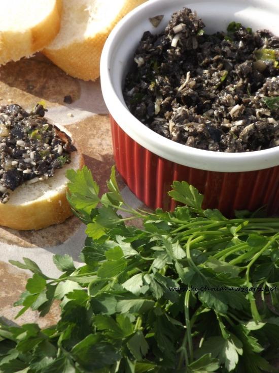 Pasta do pieczywa - pasta z czarnych oliwek
