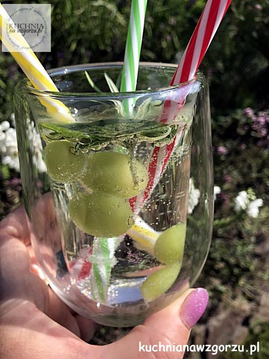 mrozone-winogrona-czyli-lod