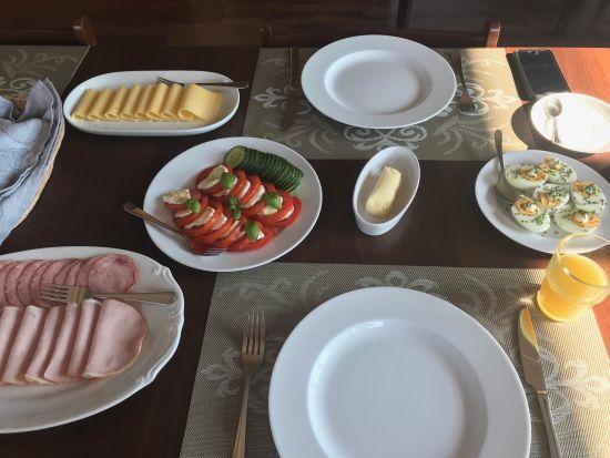 sniadanie-winnica-zbrodzice
